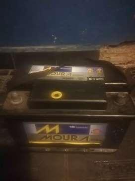Vendo batería moura excelente estado.. 2 meses d uso
