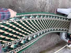 vendo camino de alfombra nuevo tipo persa color verde, o azul de 5 metros de largo x  0.70 de ancho ultra alto trafico