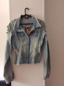 Chaqueta de jeans nueva, talla S