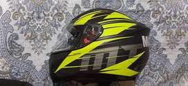 Vendo casco MT helmets twist
