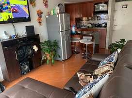 lindo apartamento con 3 habitaciones 2 baños cocina integral persianas instaladas meson auxiliar