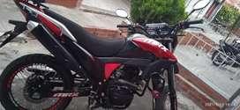 Moto en buen estado único dueño se vende por motivos de viaje