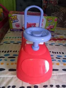 Vendo carrito montable  para niña