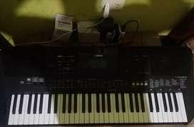 Órgano Yamaha PSR-463