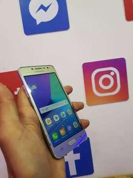 Vendo Samsung J2 prime en perfectas condiciones con factura y garantía.