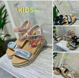 Sandalias de nenas