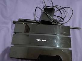 Módem Router ADSL2+ Gigabit Inalámbrico N 300Mbps TD-W8970