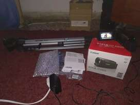 Canon Vixia HF R800 con tripod