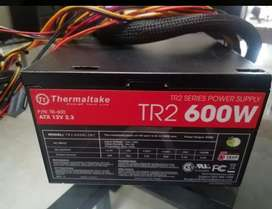 Fuente de poder real Thermaltake 600w