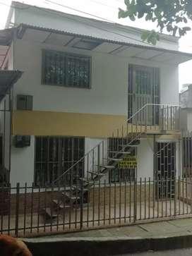 Casa en venta con parqueadero