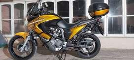 vendo Moto Honda Transalp- 2009
