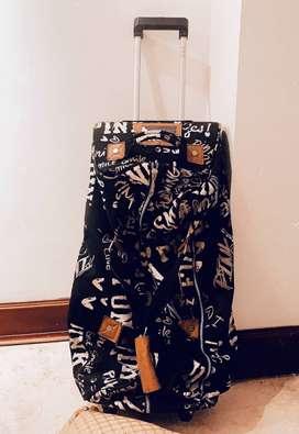 My Closet Sale: Maleta de Viaje Marca PINK Victoria Secret 32K