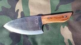 Cuchillo Artesanal .