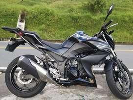 Se vende Kawasaki Z250