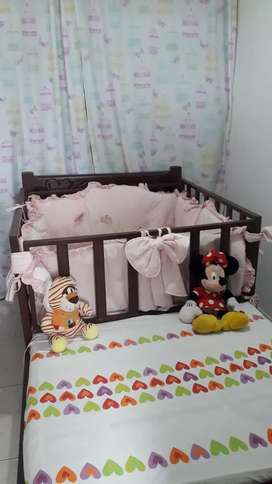 Protector de corral para bebe y su toldillo