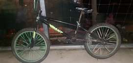 Vendo Mountain Bike en perfecto estado.