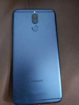 Se vende Huawei mate 10 lite en buen estado,  solo que con un pequeño detalle