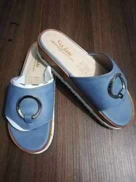 Hermosas sandalias talla 37 nuevas