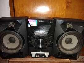 Equipo de Musica Sony Mhc-ecl77bt