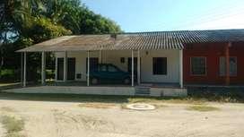 Hermosa Casa Esquinera,  construcción Sismo resistente, amplia, Esquinera