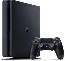 Playstation 4 en caja con un jostick y un juego fisico