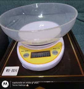 Gramera con recipiente electronic kitchen sácale  de 5 kg
