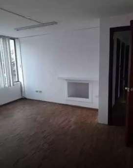 Alquiler / Renta / Arriendo departamento de 4 habitaciones sector 6 de Diciembre y Eloy Alfaro parque la Carolina