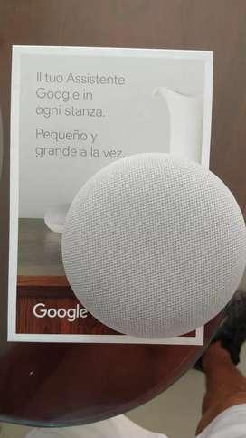 Se vende parlante asistente de Google..G..nest miii