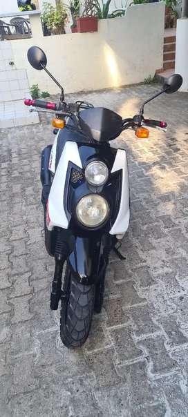 Vendo Hermosa moto BWS 125/4 Tiempos, wn miy buen estado.