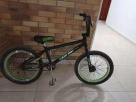 Bicicleta bmx con papeles de propietario
