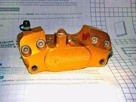 Motomaster caliper mordaza supermotard supermoto