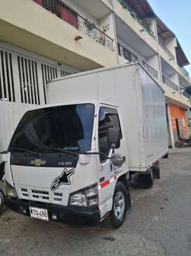 Se vende carro en muy buen estado, en Yarumal - Antioquia