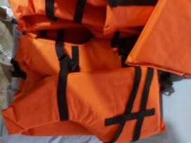 Chalecos y asientos salvavidas