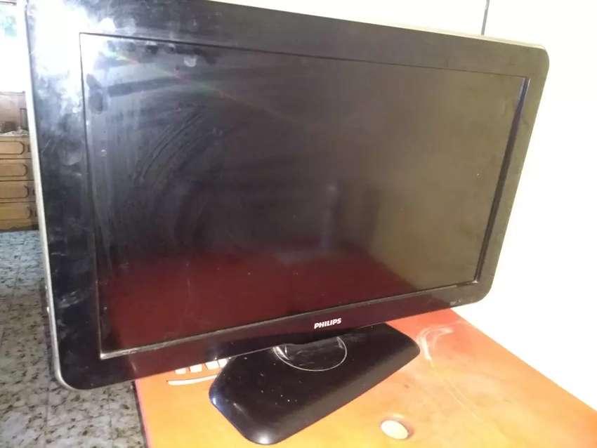 """TV LCD 32"""" Philips para REPUESTO 0"""