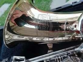 Se vende saxofon Alto Bundy II