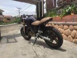 Moto motor 250cc tipo café race