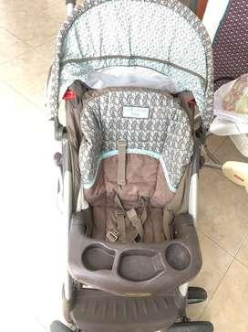Coche y culumpio de bebe