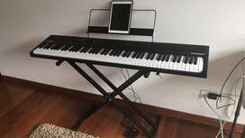 Alesis Concert XUS 88 key digital piano usado perfecto estado
