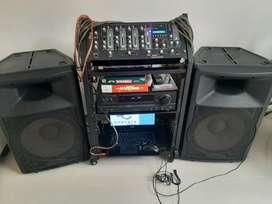 En Acacias se vende Equipo de sonido usado en perfecto estado. Valor $800.000.