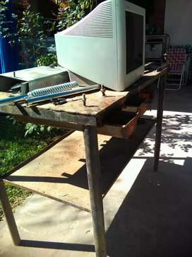 Mesa de hierro