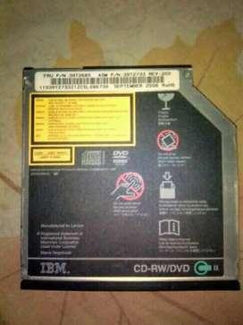 Unidad quemadora de DVD y CD marca IBM
