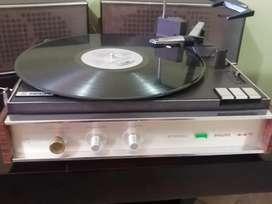 Vendo hermoso tocadiscos antiguo Philips 447