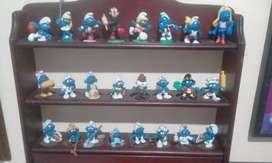 Colección de muñecos pitufos
