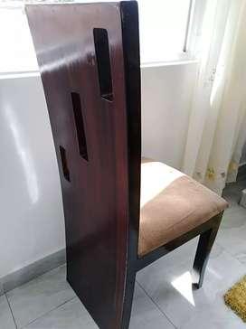 Vendo 4 sillas urg