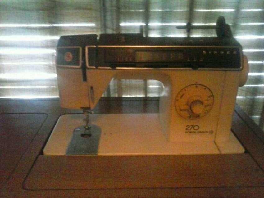 Máquina de Coser Singer 270 0