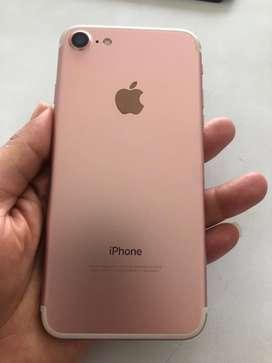 Se vende Iphone 7  32 GB En perfecto estado solo cargador