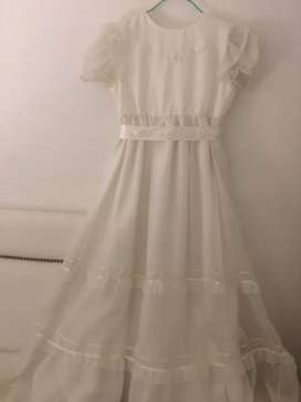 Vendo vestido de comunión con sus accesorios