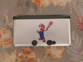 Nintendo 3Ds con seis juegos originales no programada con case protectora y estuche para la consola y sus juegos Usada..