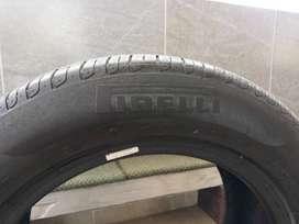 Atención Cali, Vendo 2 llantas pirelli runflat rhin 17 ultima tecnologia de camioneta BMW, precio x el par negociable