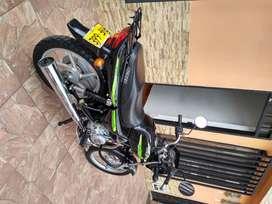 SE VENDE MOTO BOXER CT 100 EN EXCELENTE ESTADO